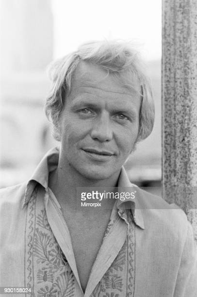 David Soul singer actor musician pictured in Los Angeles with his guitar on the set of Starsky and Hutch at 20th Century Fox Studios In these...