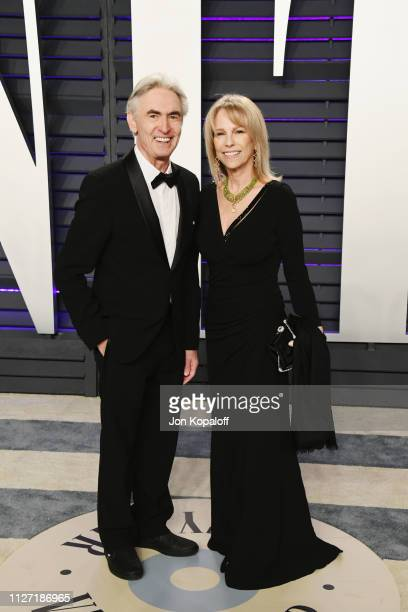 David Steinberg and Robyn Todd attend the 2019 Vanity Fair Oscar Party hosted by Radhika Jones at Wallis Annenberg Center for the Performing Arts on...