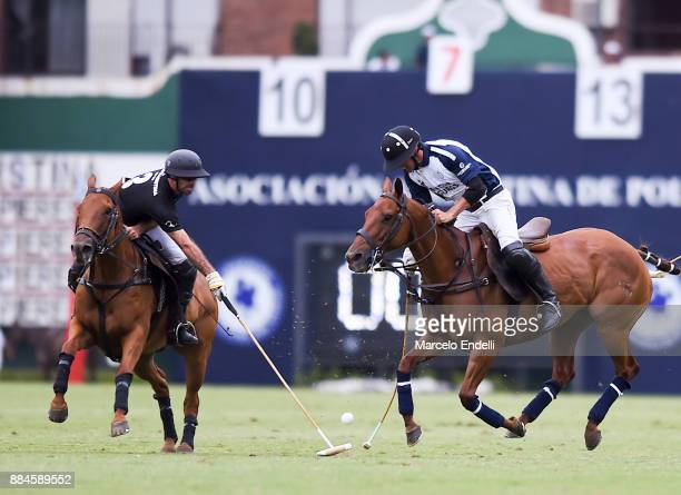 David Stirling of La Dolfina competes for the ball with Facundo Pieres of Ellerstina during the final match between La Dolfina and La Ellerstina as...