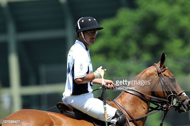 David Stirling of La Dolfina in action during the match against Sao Jose as part of the 117 Open Argentino de Polo on Noviembre 20 2010 in Buenos...