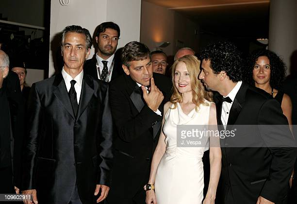 David Strathairn George Clooney Patricia Clarkson and Grant Heslov