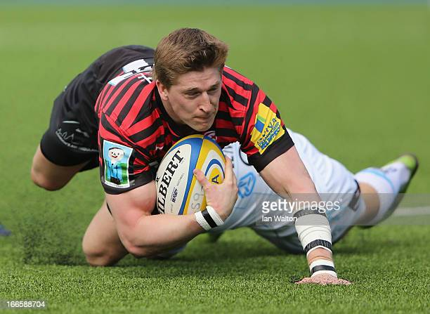 David Strettle of Saracens scores a try during the Aviva Premiership match between Saracens and Worcester Warriors at Allianz Park on April 14 2013...