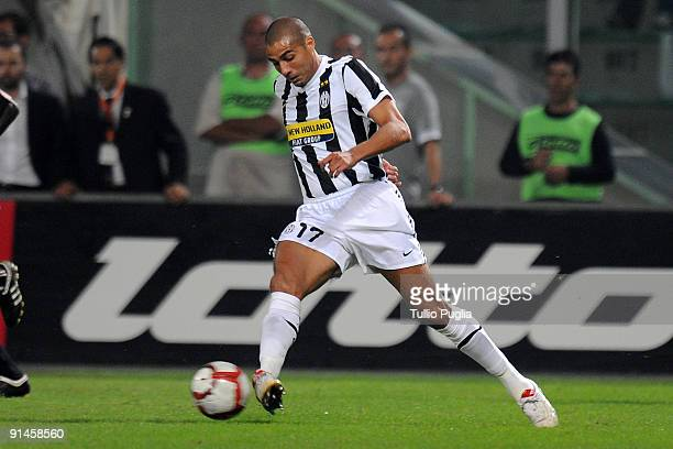 David Trezeguet of Juventus in action during the Serie A match played between US Citta di Palermo and Juventus FC at Stadio Renzo Barbera on October...