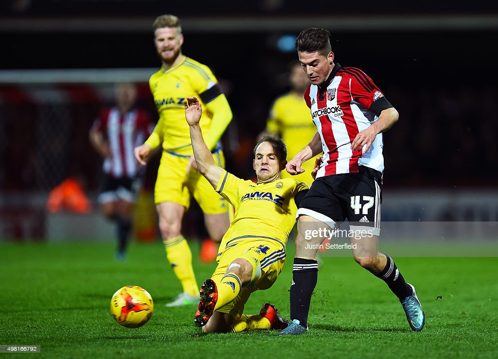 Brentford v Nottingham Forest - Sky Bet Championship : News Photo