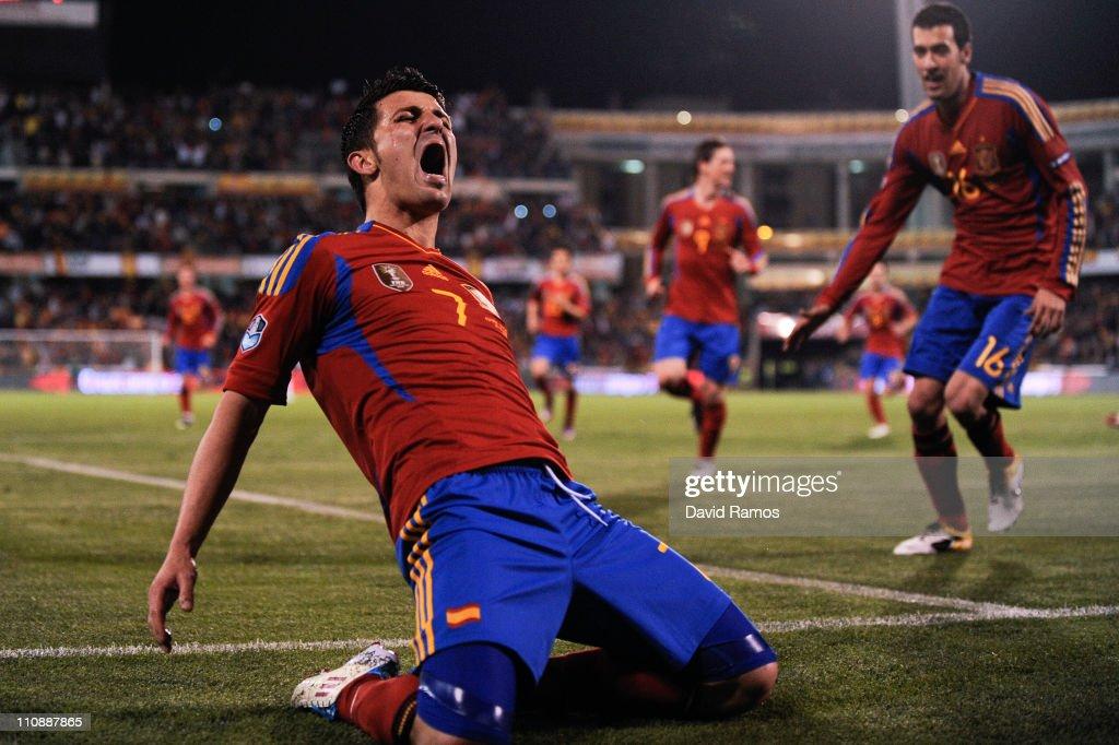 Spain v Czech Republic - EURO 2012 Qualifier