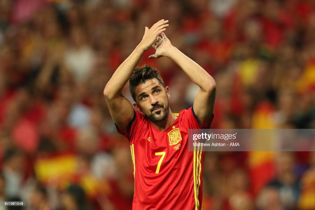 David Villa of Spain salutes the crowd during the FIFA 2018 World Cup Qualifier between Spain and Italy at Estadio Santiago Bernabeu on September 2, 2017 in Madrid, Spain.