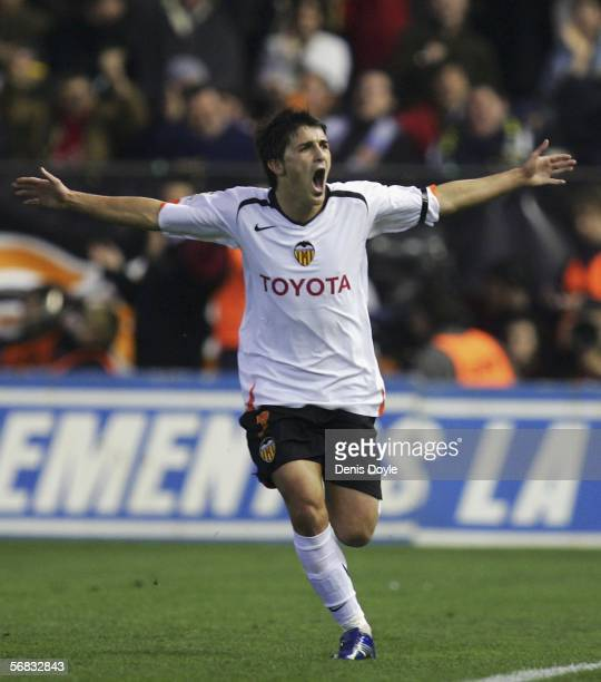 David Villa of Valencia celebrates after scoring a goal during the Primera Liga match between Valencia and Barcelona at the Mestalla stadium on...