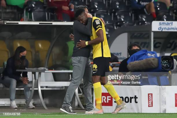 David Wagner, Head coach of BSC Young Boys hugs Jordan Siebatcheu Pefok of BSC Young Boys after his substitution during the UEFA Champions League...