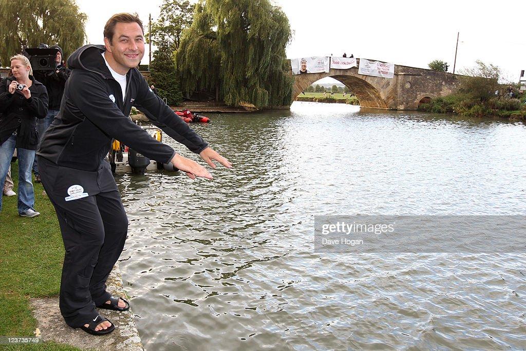 David Walliams vs The Thames - Sport Relief fundraiser