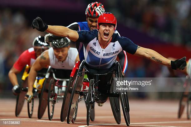 David Weir of Great Britain celebrates winning the Men's 1500m ¿ T54 final on day 6 of the London 2012 Paralympic Games at Olympic Stadium on...