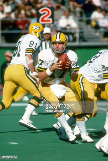 David Whitehurst of the Green Bay Packers in action against the Philadelphia Eagles during an NFL game November 51978 at Veterans Stadium in...