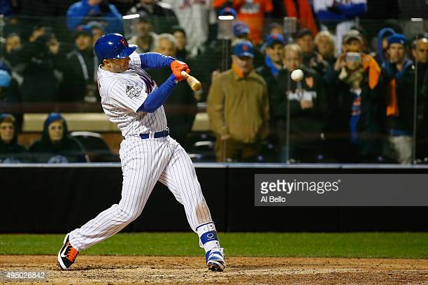 David Wright of the New York Mets hits an RBI single in the sixth inning against the Kansas City Royals during Game Three of the 2015 World Series at...