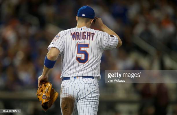 David Wright of the New York Mets takes the field for the second inning against the Miami Marlins at Citi Field on September 29 2018 in the Flushing...