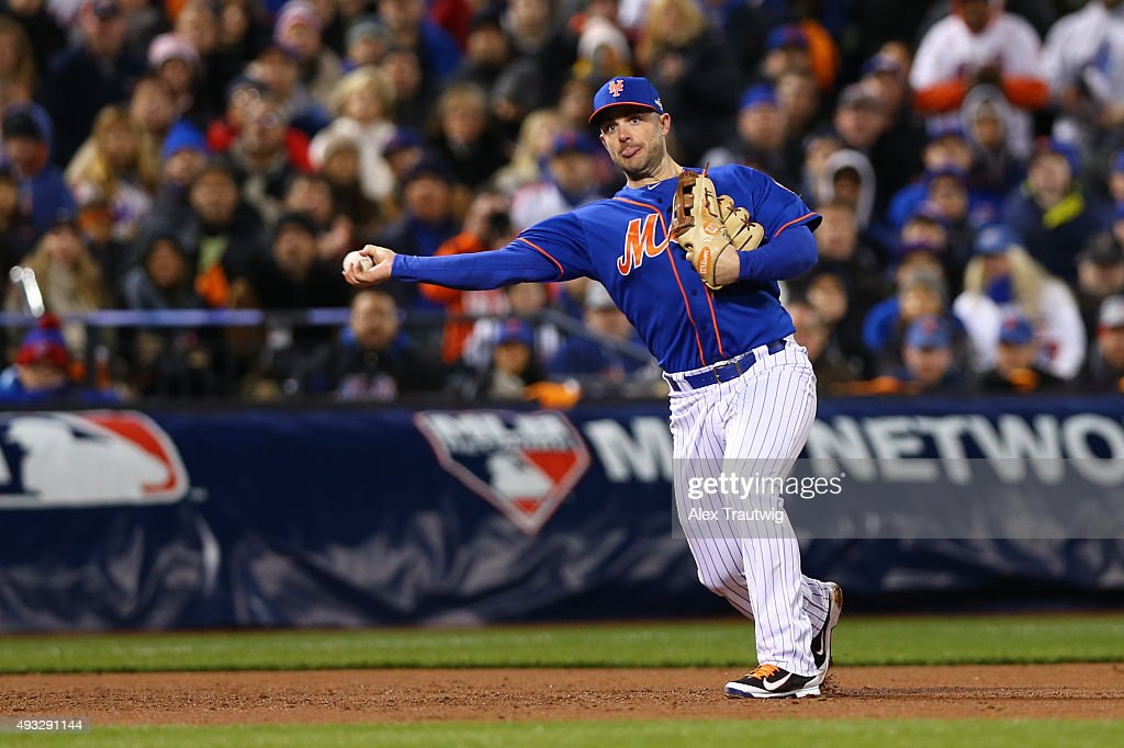 David Wright #5 of the New York Mets throws to first base during Game 2 of the NLCS against the Chicago Cubs at Citi Field on Sunday, October 18, 2015 in the Queens borough of New York City. (Photo by Alex Trautwig/MLB Photos via Getty Images) *** Local Caption)