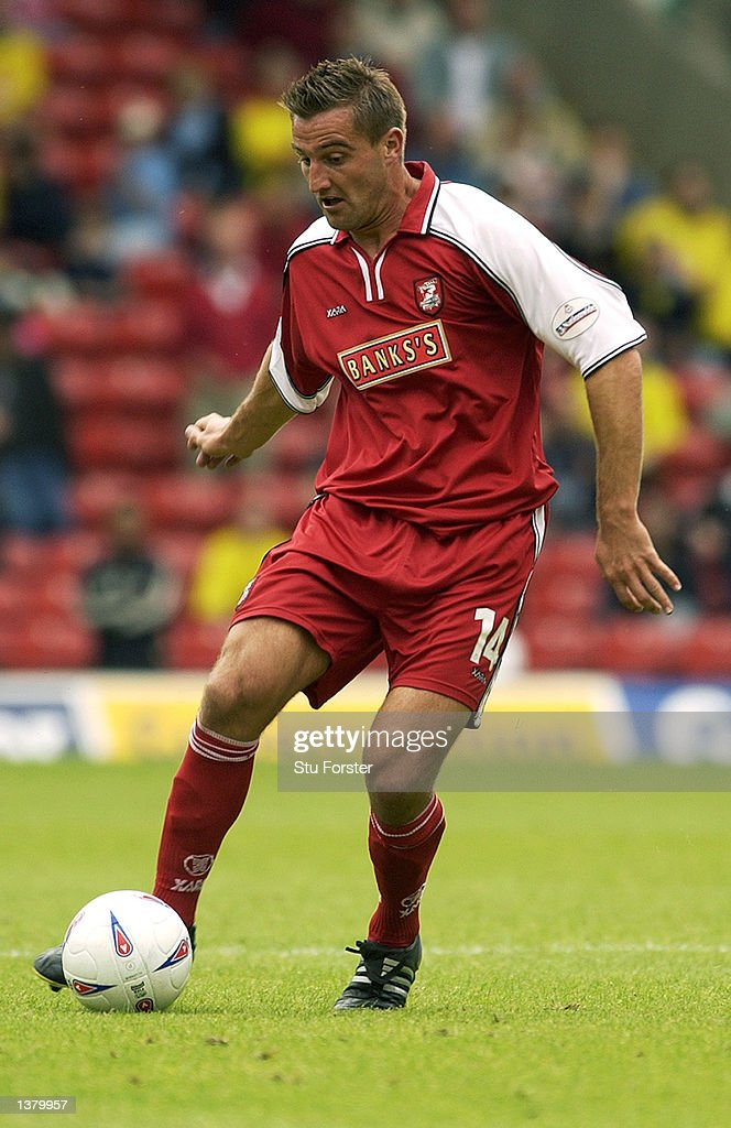 David Zdrilic of Walsall on the ball during the Nationwide League Division One match between Watford and Walsall at Vicarage Road in Watford, England on September 7, 2002.
