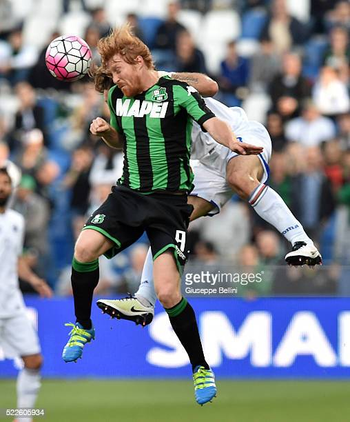 Davide Biondini of US Sassuolo Calcio and Edgar Barreto of UC Sampdoria in action during the Serie A match between US Sassuolo Calcio and UC...