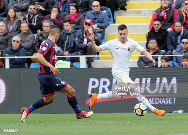 Davide Faraoni of Crotone competes for the ball with Stephan E Shaarawy of Roma during the serie A match between FC Crotone and AS Roma at Stadio...