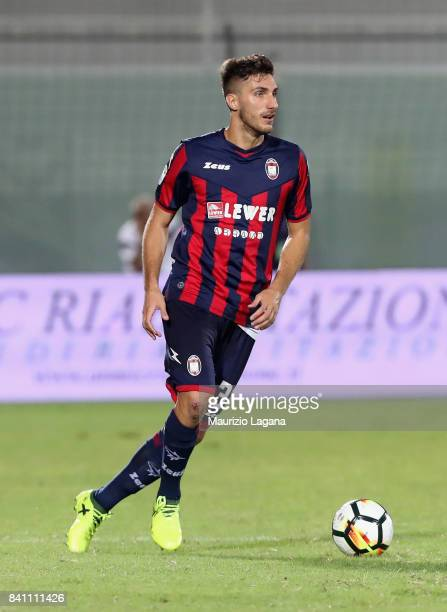 Davide Faraoni of Crotone during the Serie A match between FC Crotone and Hellas Verona FC at Stadio Comunale Ezio Scida on August 27 2017 in Crotone...