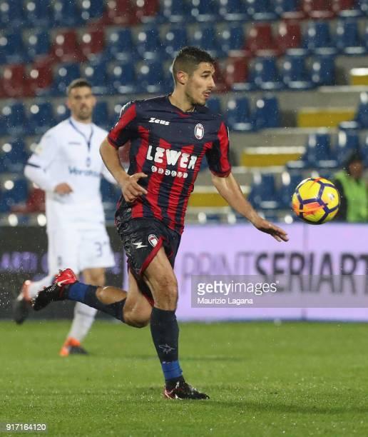 Davide Faraoni of Crotone during the serie A match between FC Crotone and Atalanta BC at Stadio Comunale Ezio Scida on February 10 2018 in Crotone...