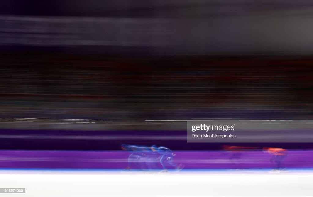 Davide Ghiotto of Italy and Jorrit Bergsma of the Netherlands compete during the Speed Skating Men's 10,000m on day six of the PyeongChang 2018 Winter Olympic Games at Gangneung Oval on February 15, 2018 in Gangneung, South Korea.