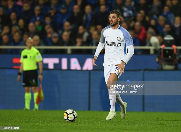 Davide Santon of FC Internazionale in action during the serie A match between Atalanta BC and FC Internazionale at Stadio Atleti Azzurri d'Italia on...