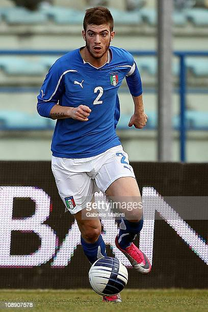 Davide Santon of Italy in action during the international friendly match between Italy U21 and England U21 at Stadio Carlo Castellani on February 8...