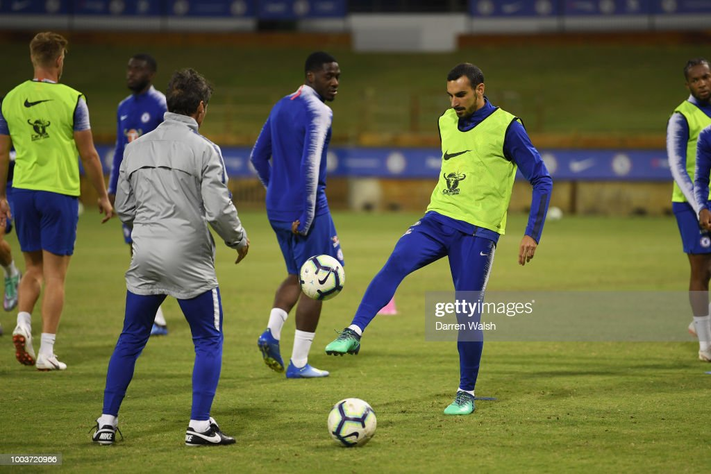 Davide Zappacosta Of Chelsea During A Training Session At