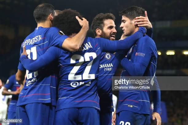 Davide Zappacosta of Chelsea, Willian of Chelsea and Cesc Fabregas of Chelsea celebrates with goalscorer Alvaro Morata of Chelsea during the UEFA...