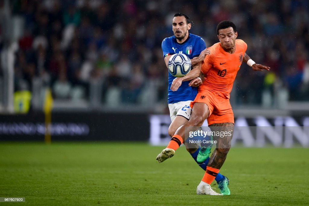 Davide Zappacosta Of Italy And Memphis Depay Of