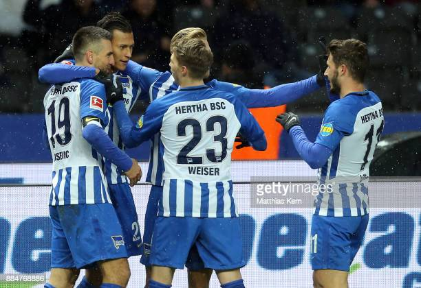 Davie Selke of Berlin jubilates with team mates after scoring the first goal during the Bundesliga match between Hertha BSC and Eintracht Frankfurt...