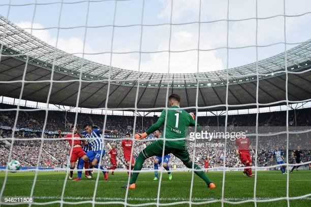 Davie Selke of Berlin scores a goal to make it 21 during the Bundesliga match between Hertha BSC and 1 FC Koeln at Olympiastadion on April 14 2018 in...