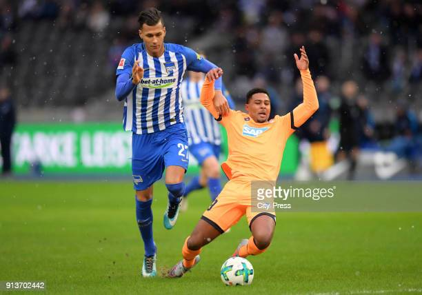 Davie Selke of Hertha BSC and Serge Gnabry of the TSG 1899 Hoffenheim during the game between Hertha BSC and TSG Hoffenheim on february 3 2018 in...
