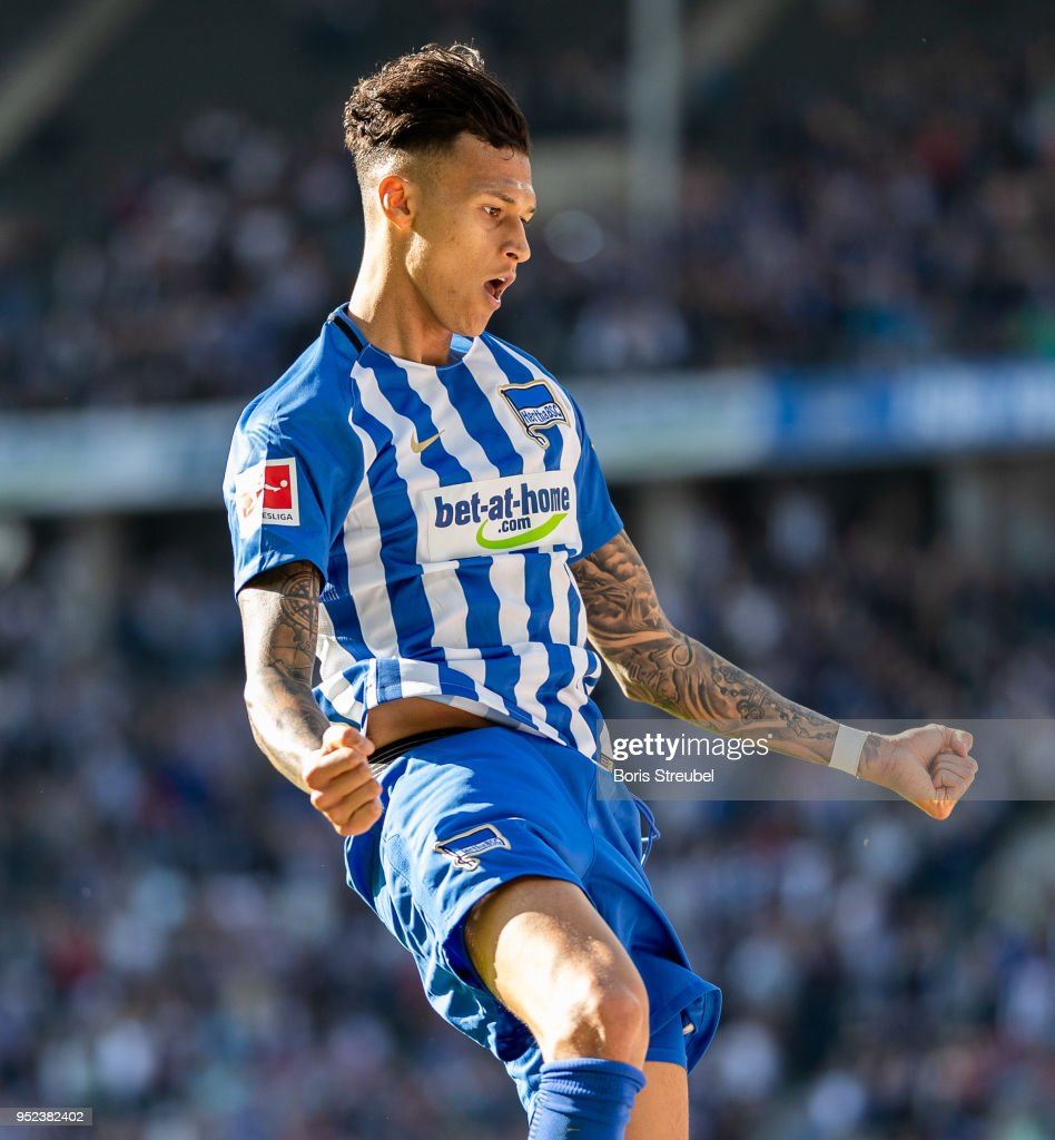 Davie Selke of Hertha BSC celebrates after scoring his team's second goal during the Bundesliga match between Hertha BSC and FC Augsburg at Olympiastadion on April 28, 2018 in Berlin, Germany.