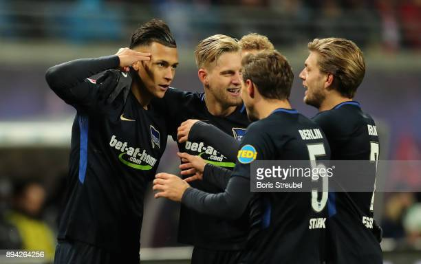 Davie Selke of Hertha BSC celebrates with team mates after scoring his team's third goal during the Bundesliga match between RB Leipzig and Hertha...