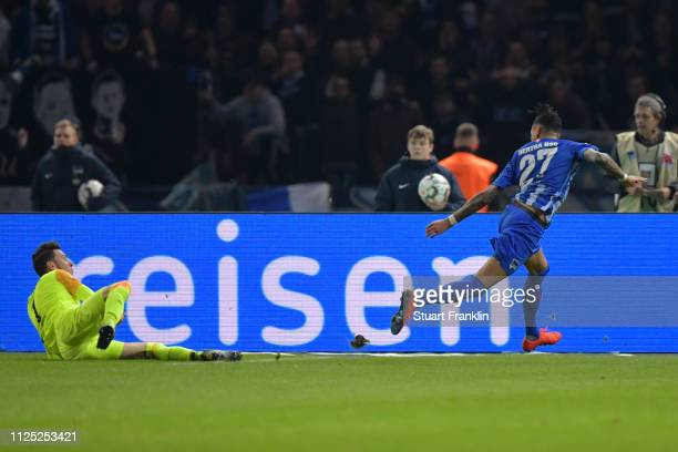 Davie Selke of Hertha BSC scores his team's first goal during the Bundesliga match between Hertha BSC and SV Werder Bremen at Olympiastadion on...