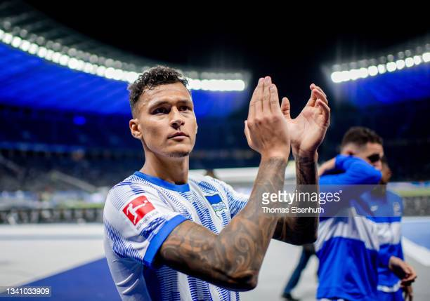 Davie Selke of Hertha celebrates after the Bundesliga match between Hertha BSC and SpVgg Greuther Fürth at Olympiastadion on September 17, 2021 in...