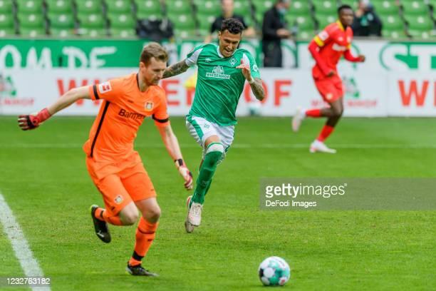 Davie Selke of SV Werder Bremen looks on during the Bundesliga match between SV Werder Bremen and Bayer 04 Leverkusen at Wohninvest Weserstadion on...