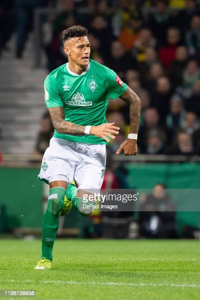 Davie Selke of SV Werder Bremen looks on during the DFB Cup round of sixteen match between SV Werder Bremen and Borussia Dortmund at Wohninvest...