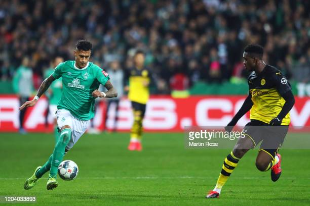 Davie Selke of SV Werder Bremen runs with the ball during the DFB Cup round of sixteen match between SV Werder Bremen and Borussia Dortmund at...