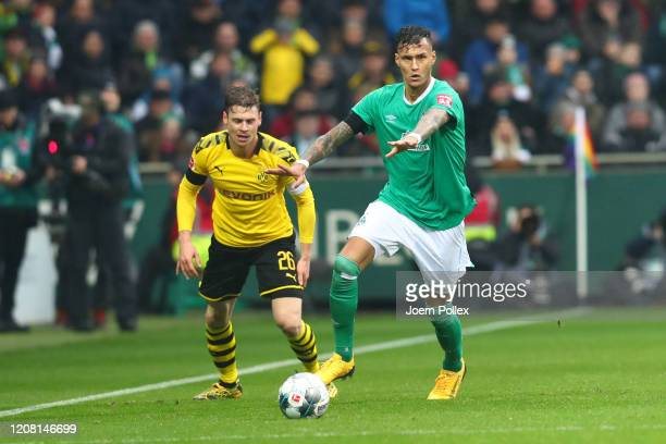 Davie Selke of Werder Bremen controls the ball during the Bundesliga match between SV Werder Bremen and Borussia Dortmund at Wohninvest Weserstadion...