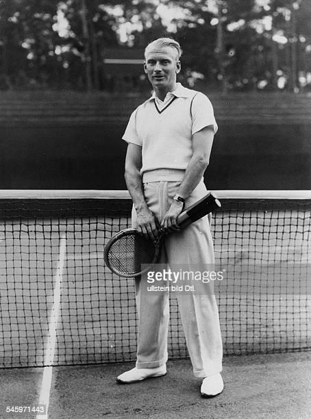 Daviscup in Berlin Hendrik Timmer tennis player Portrait at the BlauWeissTennisclub in Berlin 1933