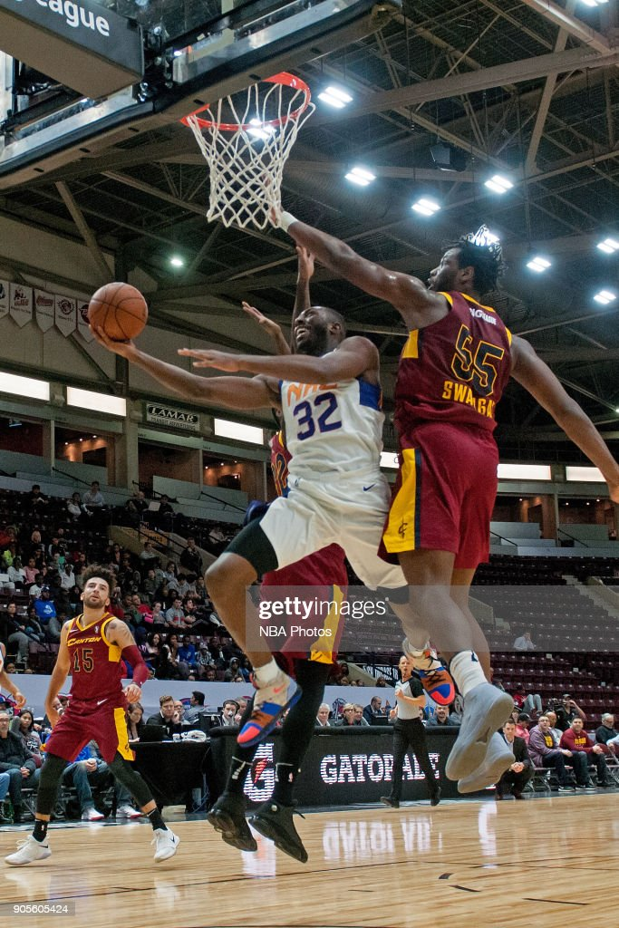 Davon Reed #32 of the Northern Arizona Suns drives to the basket against the Canton Charge during the NBA G-League Showcase on January 12, 2018 at the Hershey Centre in Mississauga, Ontario Canada.