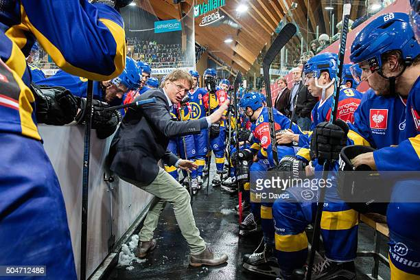 Davos Timout with coach Arno del Curto during the Champions Hockey League semi final between HC Davos and Frolunda Gothenburg at Vaillant Arena on...