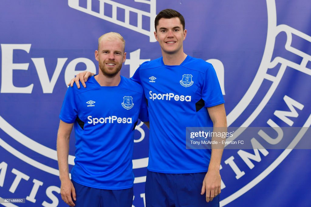 Davy Klaassen (L) and Michael Keane (R) of Everton pose during a pre season training session at USM Finch Farm on July 4, 2017 in Halewood, England.