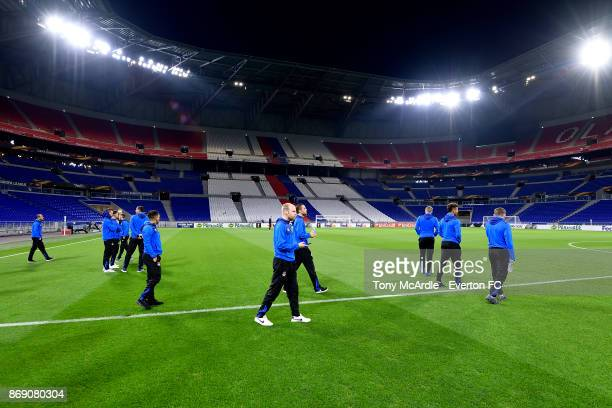 Davy Klaassen of Everton and team mates walk the pitch ahead of the UEFA Europa League match against Olympique Lyon at Groupama Stadium on November 1...