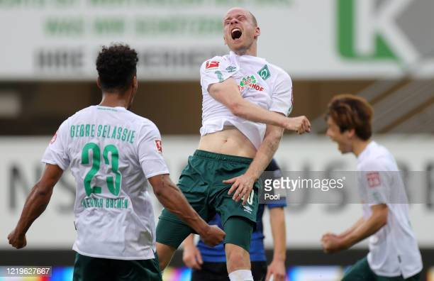 Davy Klaassen of SV Werder Bremen celebrates after scoring his team's third goal during the Bundesliga match between SC Paderborn 07 and SV Werder...
