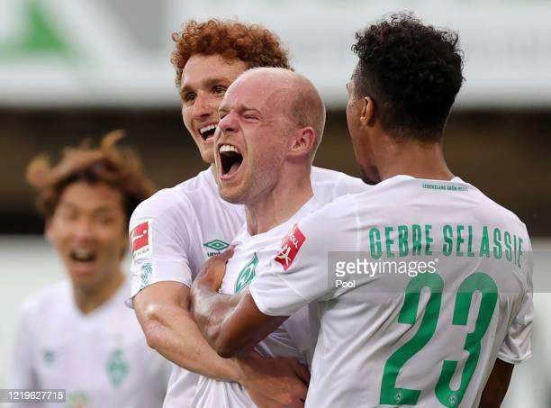 Davy Klaassen of SV Werder Bremen celebrates with team mates after scoring his side's third goal during the Bundesliga match between SC Paderborn 07...