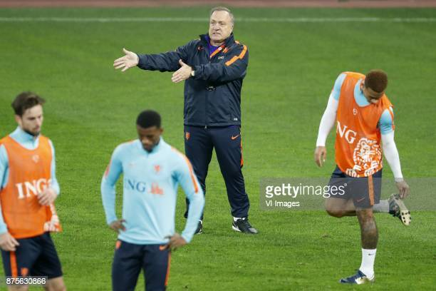 Davy Propper of Holland Georginio Wijnaldum of Holland coach Dick Advocaat of Holland Memphis Depay of Holland during a training session prior to the...