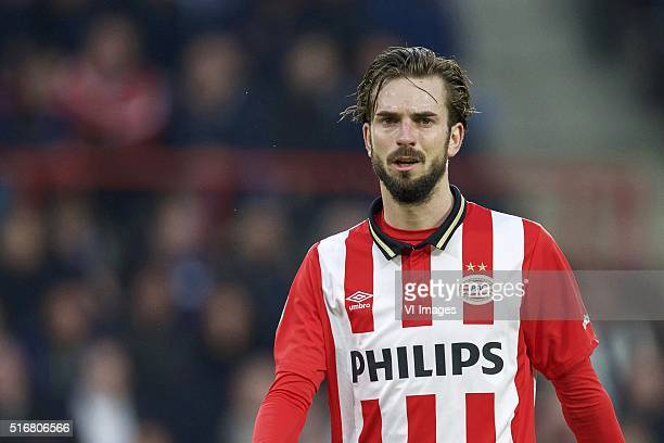 Davy Propper of PSV during the Dutch Eredivisie match between PSV Eindhoven and Ajax Amsterdam at the Phillips stadium on March 20 2016 in Eindhoven...