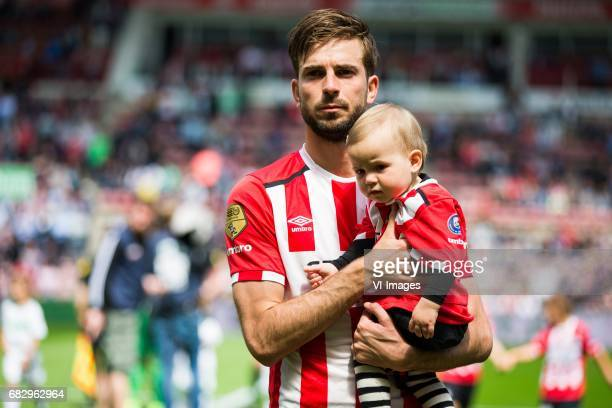 Davy Propper of PSVduring the Dutch Eredivisie match between PSV Eindhoven and PEC Zwolle at the Phillips stadium on May 14 2017 in Eindhoven The...